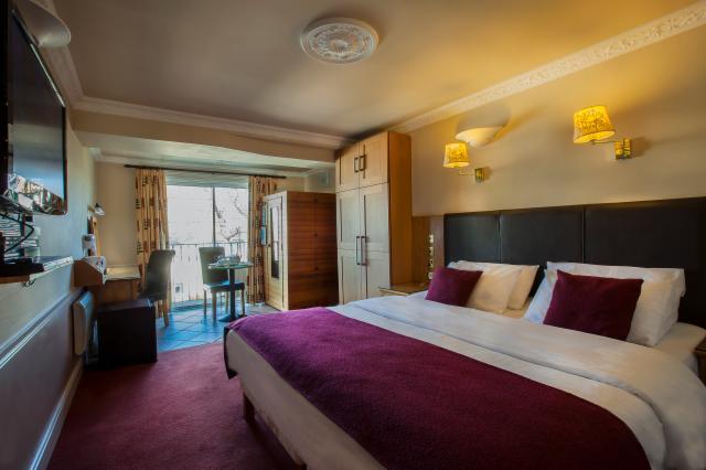 Superior Rooms & Suites
