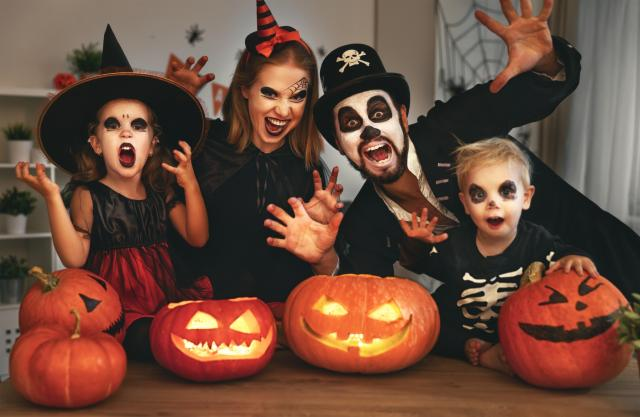 Halloween in the City Package- Large Family Room (2 Adults & 4 Children)