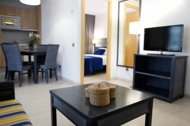 Apartamento Familiar (2 a 5 Personas) + Servicio de Transfer - Desayuno incluido (CANCELACIÓN GRATUITA)