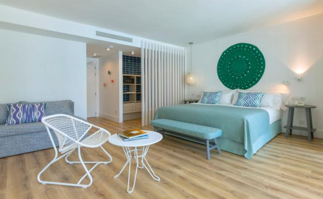 Mediterranean Suite Street Mayor View ( up to 4 People) - FREE CANCELLATION