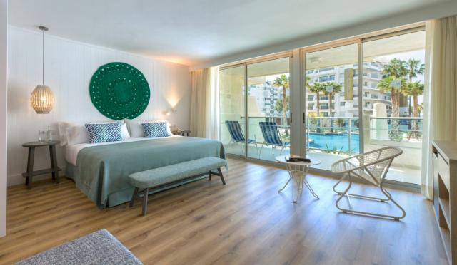 Mediterranean Suite Pool View (up to 4 People )  - FREE CANCELLATION
