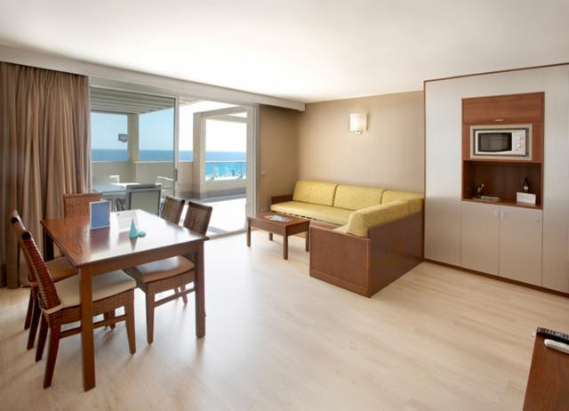Club Suite PREMIUM (2/4 people) -Breakfast included (FREE CANCELLATION)