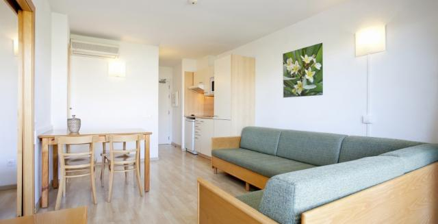 Non Refundable Offer in Standard Apartment - Self Catering (from 1 up to 4 people)