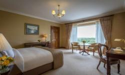 Corrib Deluxe King Room - Escape to the West