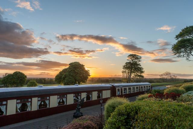Summer 10% Discount Offer  - Classic King or Twin Room - Pullman Dinner Package