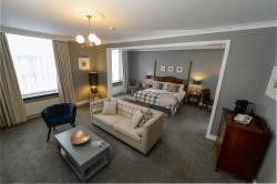 Executive Suite with Breakfast - Save €10