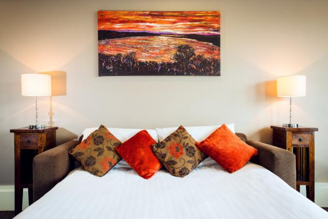 2-Night Special in a 2-Bedroom Suite 2 Adults & 4 Children Includes Breakfast and Dinner on 1 Evening