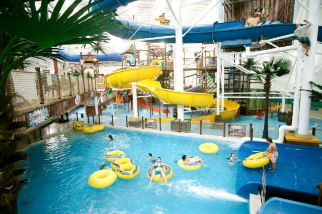 1 Night Family Break - Funtasia Waterpark (Deluxe Family Room)