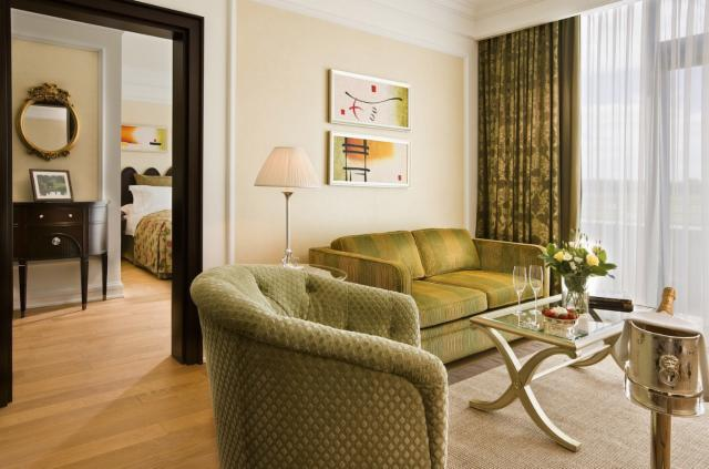 Two nights B&B and One Dinner - Junior Suite (65m2)