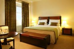 Contemporary Deluxe Double Room with Breakfast