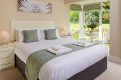 Number 2 Mountain View 4-Bedroom Detached House (Min 2 Nights)