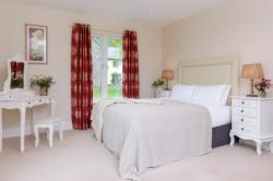 Number 9 Mountain View 4-Bedroom Detached House (Min 3 Nights)
