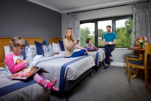 Megadeals:  3 Nights with Breakfast in Family Room for 2 adults/2 children