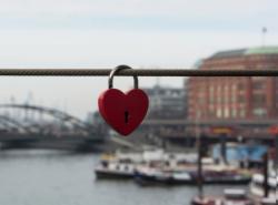 Rubin in Love ab €179. Jetzt Buchen