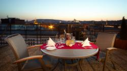 Roof top terrace Suite for 2 people with breakfast (extra bed available) - Stay Longer & SAVE