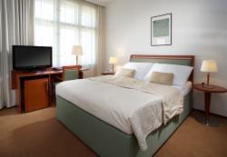 Standard Room for 2 people with breakfast (extra bed available) - Stay Longer & SAVE