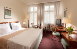 Stay Longer & SAVE (Standard Room for 2 people with breakfast) - FREE CANCELLATION