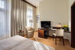 DIRECT: Superior Room for 2 people with breakfast (Stay longer & SAVE) - FREE Cancellation