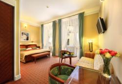 Executive Double or Twin Room (Breakfast, WiFi, VIP treatment & Wellness included)