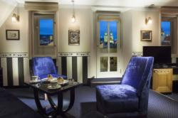 Luxury Suites (Breakfast, WiFi, VIP treatment & Wellness included) - FREE cancellation