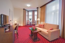 DIRECT5: Junior Suite for 1-2 people with breakfast