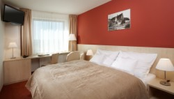 Stay longer & save up to 20% (Standard twin room for 1 person with breakfast - free cancellation)