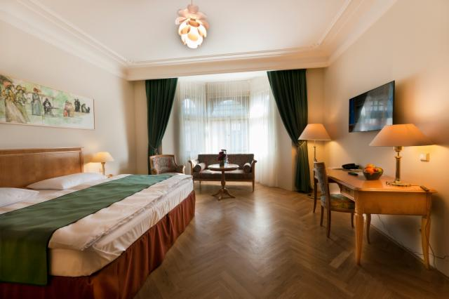 Antistres package (Superior Double Room for 2 people)