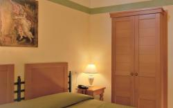 Classic Double/Twin Room - Breakfast Included - Free Cancellation