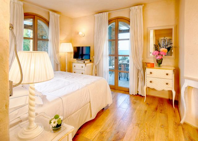 Deluxe Room Sea Front - Non Refundable - HONEYMOON OFFER