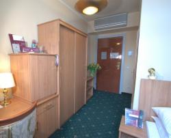 Single Room - Stay Longer Pay Less (non-refundable) - incl. WLAN
