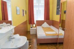 Economy Single Room with shared bathroom/WC